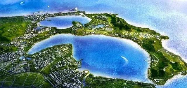 未来的海南好得让你高攀不起 2010年,海南国际旅游岛建设上升为国家战略。海南国际旅游岛初步定位为我国旅游业改革创新的试验区、世界一流的海岛休闲度假旅游目的地、全国生态文明建设示范区、国际经济合作和文化交流的重要平台、南海资源开发和服务基地、国家热带现代农业基地。2020年初步建成国际旅游岛。  时隔6年,海南一系列重大配套及活动顺利落地,并渐成规模,包括环岛高铁、文昌航天发射中心、博鳌机场、三亚免税店、美兰机场免税店、博鳌国际论坛、环海南岛公路自行车赛、海南岛欢乐节、海南三月三,与此相伴随的是,越来越