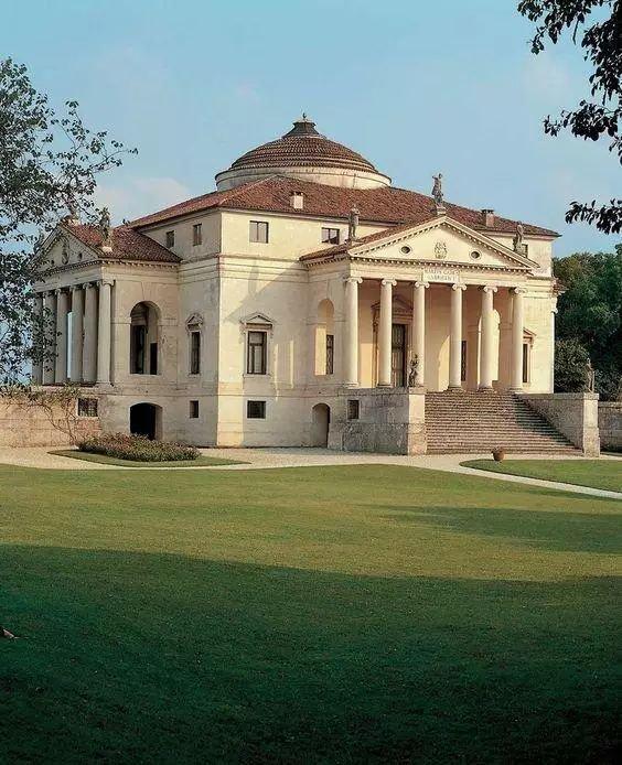 资讯 详情  圆厅别墅是意大利的一座贵族府邸,为文艺复兴晚期典型建筑