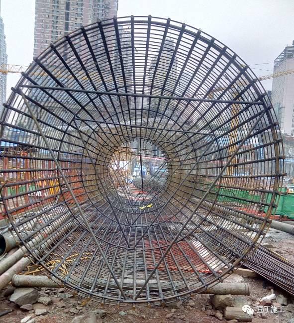 钢筋笼照片_11步让你了解基础施工全流程(挖孔桩、旋挖桩)-筑讯网
